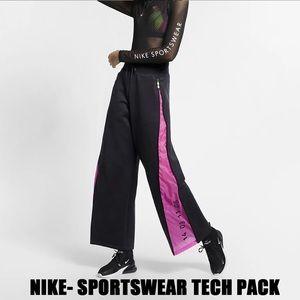 NWOT NIKE Sportwear Tech Pack fleece pants
